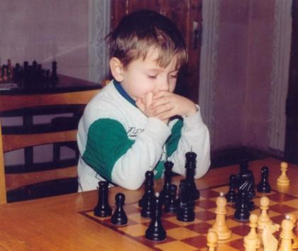 Alexandr Bortnik (UKR) 2153 Fide et 2800 sur ICC